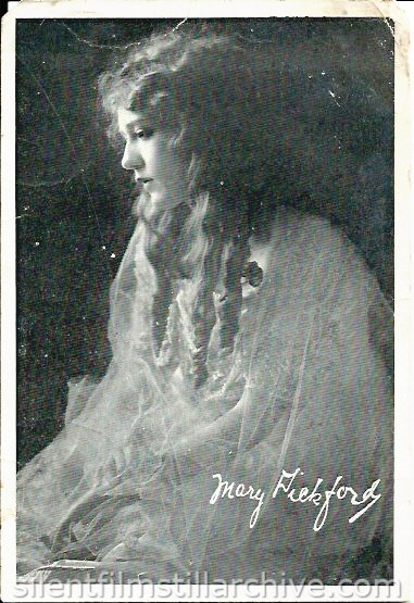 Mary Pickford on the Dearborn Theatre program, February 11, 1918, Chicago, Illinois