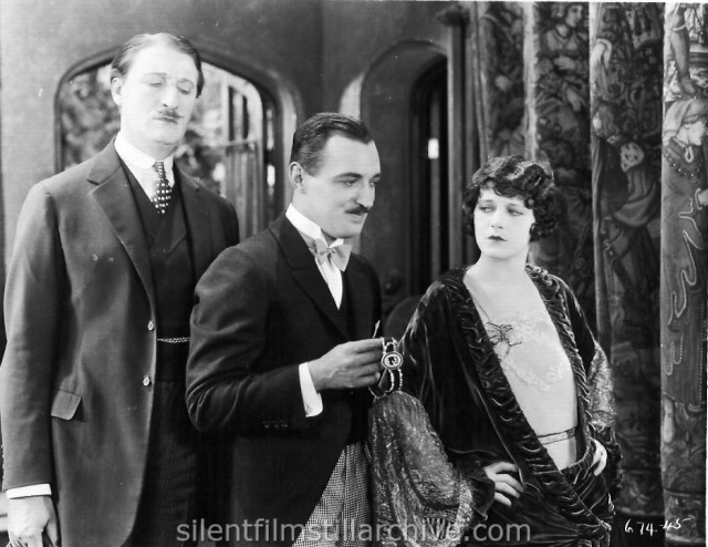 Cyril Chadwick, Raymond Griffith, and Viola Dana in 40 WINKS (1925).