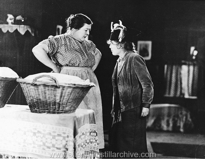 Kate Price and Mary Pickford in AMARILLY OF CLOTHES-LINE ALLEY (1918)