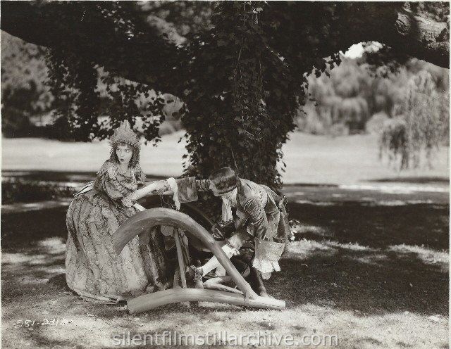 Lillian Gish and Creighton Hale in ANNIE LAURIE (1927)