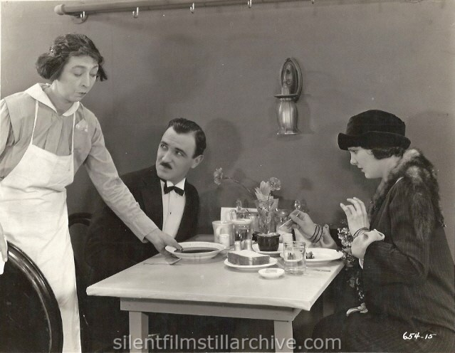 Gale Henry, Raymond Griffith and Leatrice Joy in CHANGING HUSBANDS (1924)