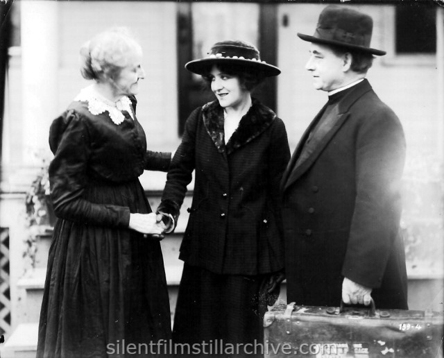 Kate Bruce, Irene Fenwick and William J. Butler in A GIRL LIKE THAT (1917)