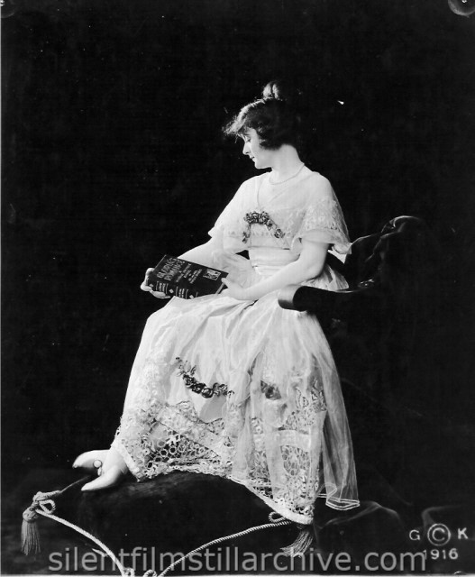 Billie Burke in GLORIA'S ROMANCE (1916), Chapter one, LOST IN THE EVERGLADES.