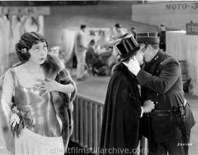 Gale Henry and Raymond Griffith in OPEN ALL NIGHT (1925)