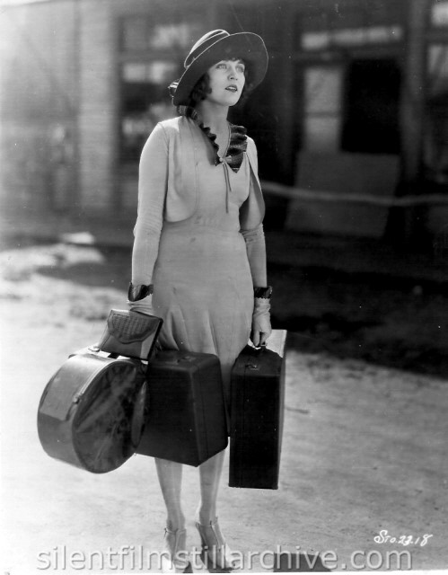 Dorothy Dwan in SILVER VALLEY (1927)