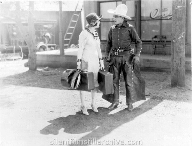 Tom Mix and Dorothy Dwan in SILVER VALLEY (1927)
