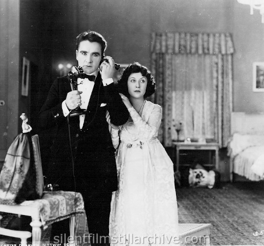 William Desmond and Flora DeHaven in TWIN BEDS (1920)