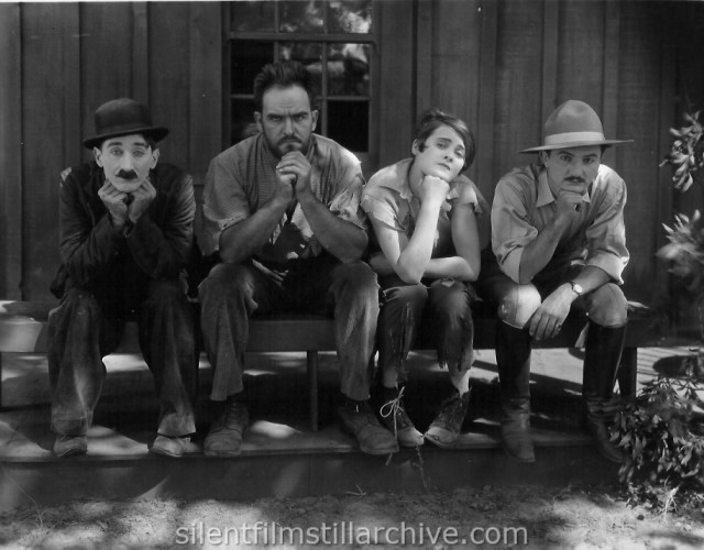 "Clyde Cook, Adolphe Millar, Sue ""Bugs"" O'Neill, and Tyler Brooke in WANDERING PAPAS (1925)"